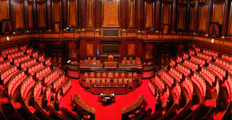 Ma perché i parlamentari non lavorano?