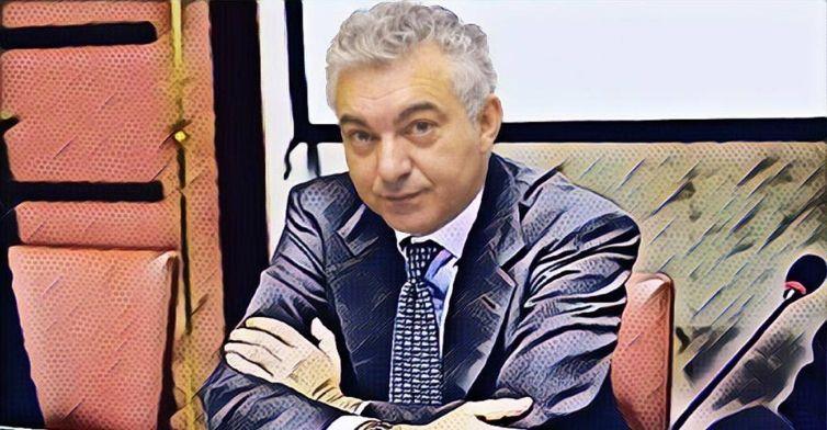 Arcuri, l'uomo-flop, vuole multare gli italiani