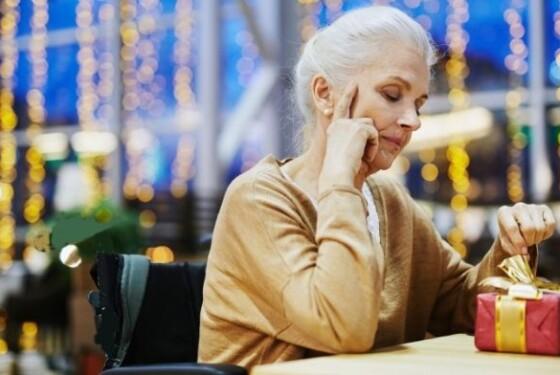 donna anziana covid